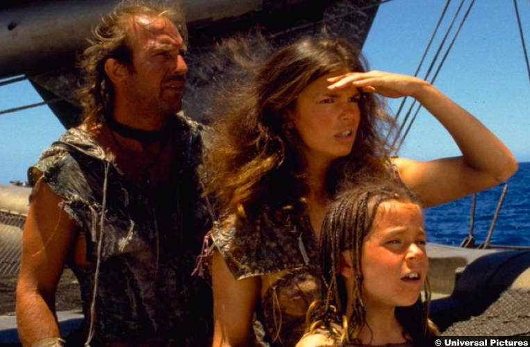 Waterworld Kevin Costner Mariner Jeanne Tripplehorn Tina Majorino