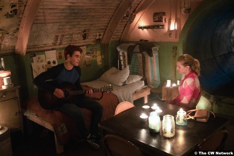 Riverdale S04e18 Lili Reinhart Kj Apa Archie Andrews Betty Cooper
