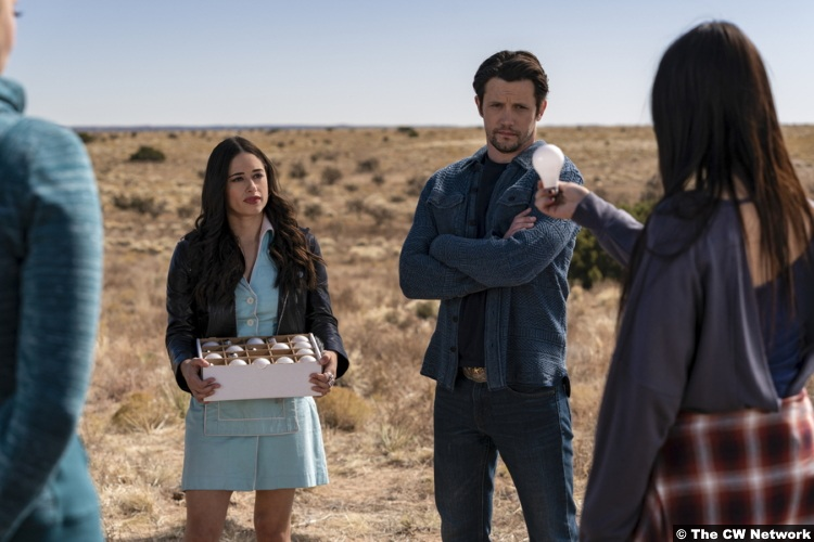 Roswell Nm S02e07 Nathan Parsons Jeanine Mason Max Liz