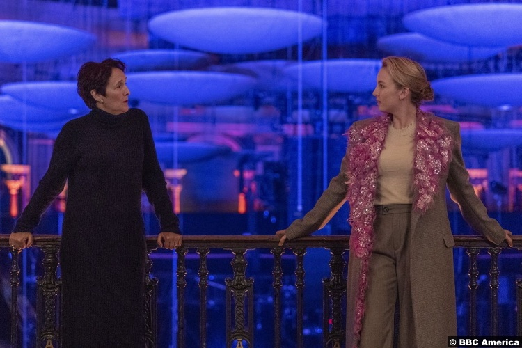 Killing Eve S03e08 Fiona Shaw as Carolyn Martens and Jodie Comer as Villanelle