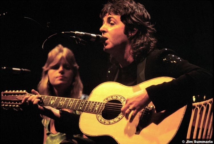 Linda and Paul McCartney in 1976