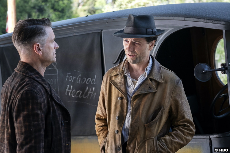 Perry Mason S01e02 Matthew Rhys Shea Whigham Pete Strickland