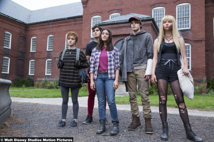 New Mutants Maisie Williams Henry Zaga Blu Hunt Charlie Heaton Anya Taylor Joy