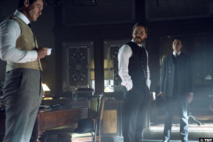 The Alienist S02e05 Luke Evans Daniel Bruhl John Moore Laszlo Kreizler