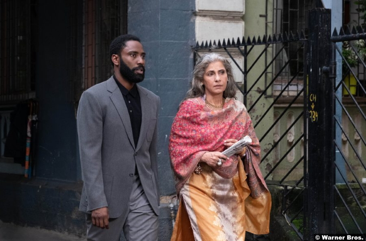 Tenet John David Washington Dimple Kapadia