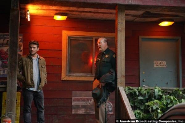 Big Sky S01e01 Ryan Phillippe John Carroll Lynch Cody Hoyt Rick Legarski