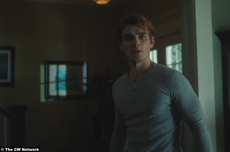 Riverdale S05e02 K.J. Apa as Archie Andrews