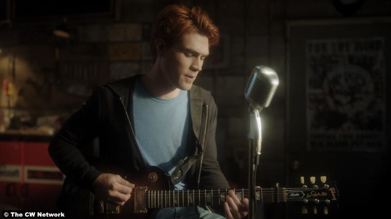 Riverdale S05e03 K.J. Apa as Archie Andrews