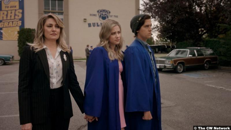 Riverdale S05e03 Mädchen Amick Lili Reinhart Cole Sprouse as Alice Betty Jughead