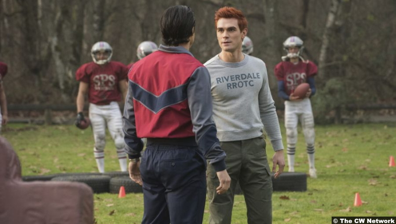 Riverdale S05e06 K.J. Apa and Charles Melton as Archie Andrews and Reggie Mantle
