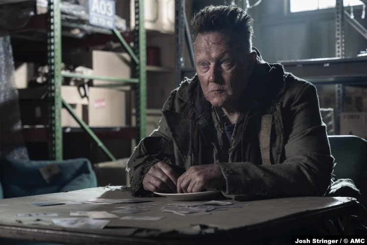 The Walking Dead S10e19 Robert Patrick as Mays