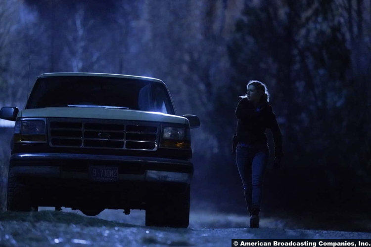 Big Sky S01e10-11 Katheryn Winnick as Jenny Hoyt
