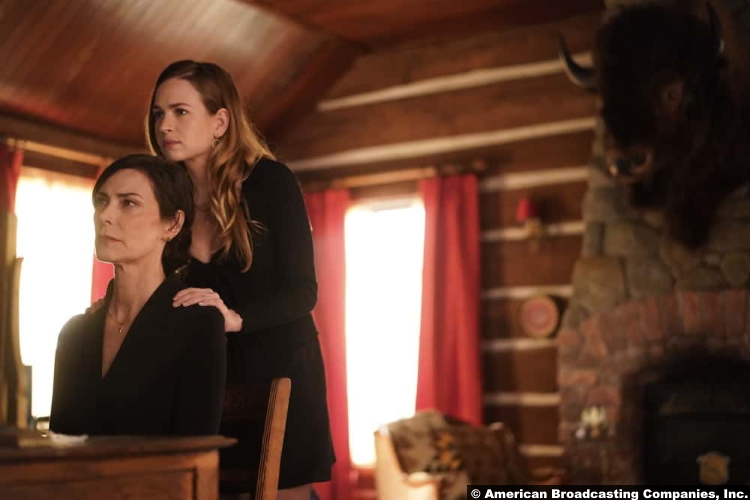 Big Sky S01e14: Michelle Forbes and Britt Robertson as Margaret and Cheyenne Kleinsasser