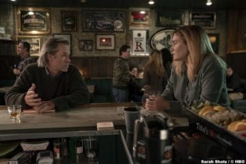 S01E01 Guy Pearce and Kate Winslet as Richard Ryan and Mare Sheehan