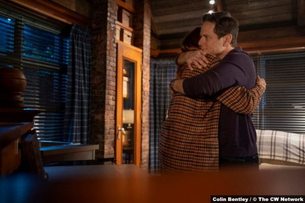S02E11 Kennedy McMann and Scott Wolf as Nancy and Carson Drew