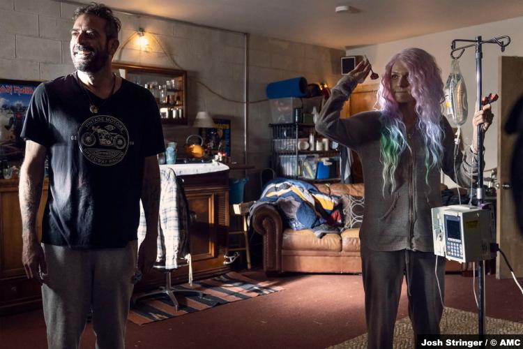 The Walking Dead S10e22 Jeffrey Dean Morgan and Hilarie Burton as Negan and Lucille
