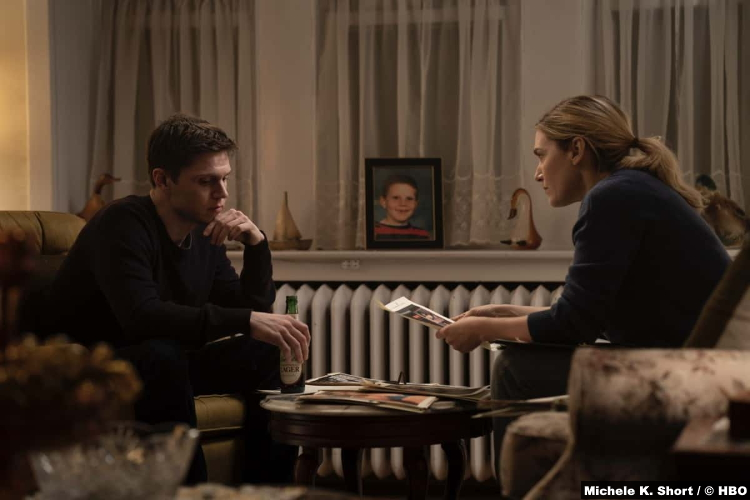 Mare Of Easttown S01e04: Evan Peters and Kate Winslet as Detective Colin Zabel and Mare Sheehan