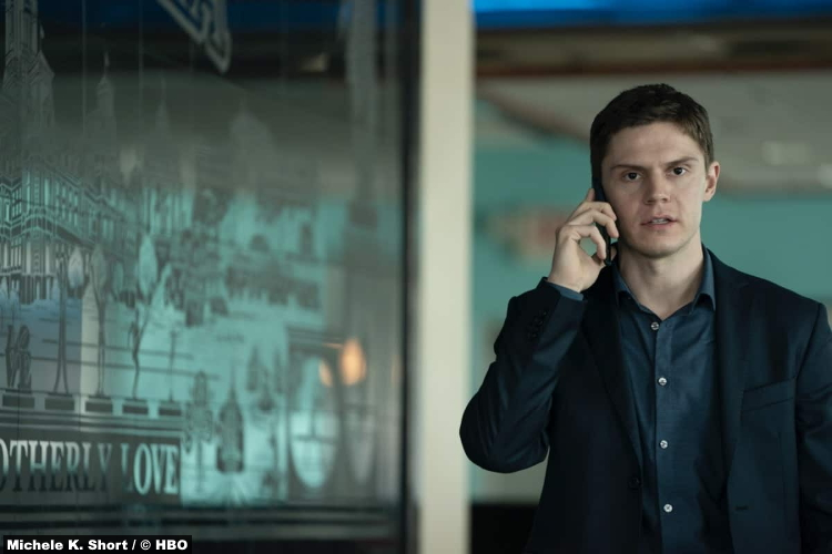 Mare Of Easttown S01e05: Evan Peters as Detective Colin Zabel
