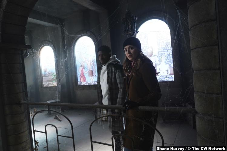 Nancy Drew S02e15: Tian Richards and Kennedy McMann as Tom Swift and Nancy