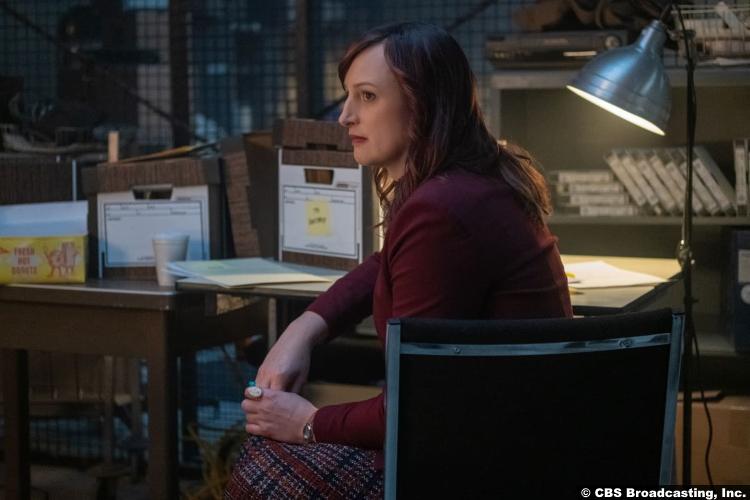 Clarice S01e10: Jen Richards as Julia Lawson