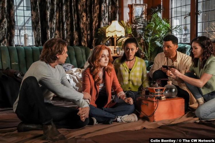 Nancy Drew S02e18: Alex Saxon Kennedy McMann Leah Lewis Tunji Kasim Maddison Jaizani as Ace Nancy George Nick Bess