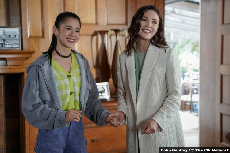 Nancy Drew S02e18: Leah Lewis and Maddison Jaizani as George and Bess