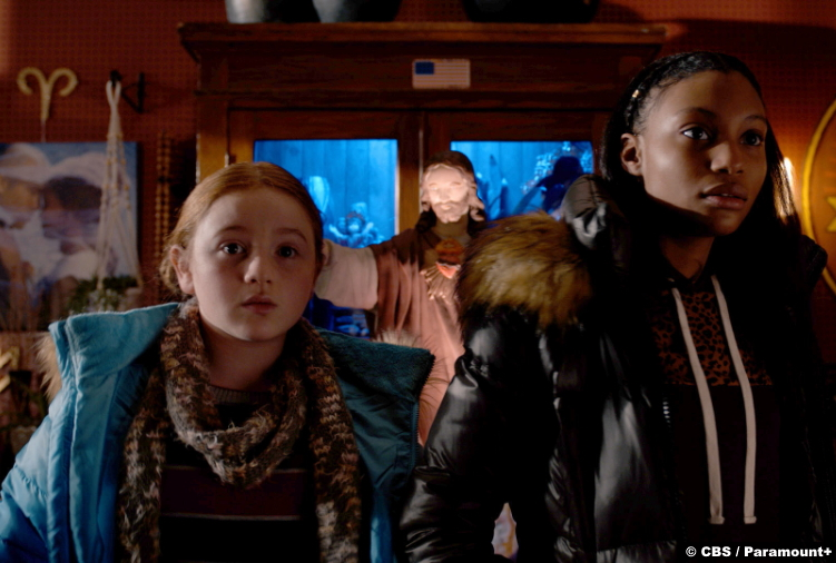 Evil S01e05: Skylar Gray and Gloria Manning as Lila Bouchard and Alex Metellus