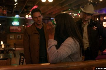 Roswell, New Mexico S03e02: Michael Trevino, Nathan Parsons and Heather Hemmens as Kyle Valenti, Max Evans and Maria DeLuca