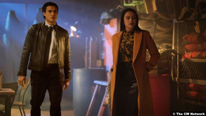 Riverdale S05e11: Charles Melton and Camila Mendes as Reggie Mantle and Veronica Lodge