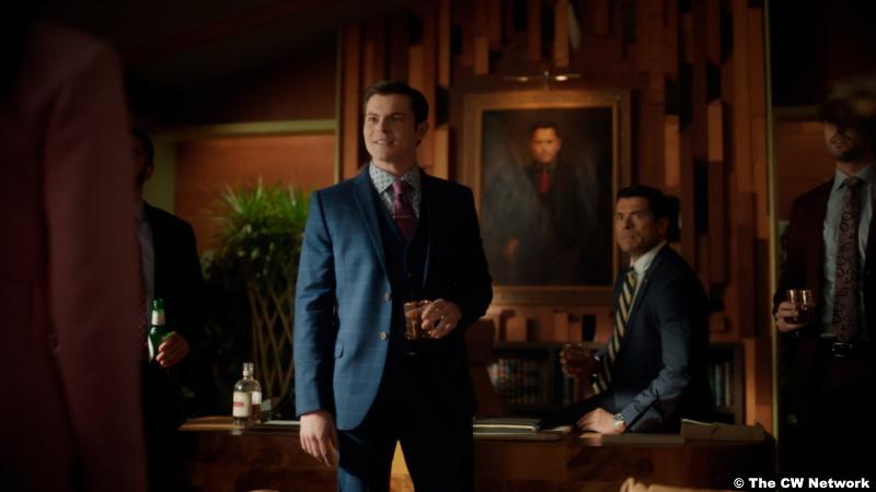 Riverdale S05e16: Chris Mason and Mark Consuelos as Chad Gekko and Hiram Lodge