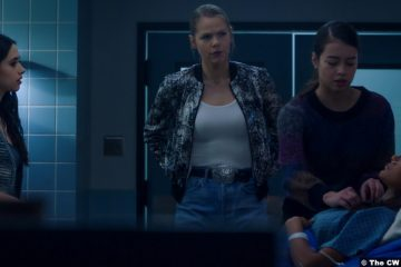 Roswell, New Mexico S03e06: Jeanine Mason, Lily Cowles, Amber Midthunder and Heather Hemmens as Liz Ortecho, Isobel Evans-Bracken, Rosa and Maria DeLuca
