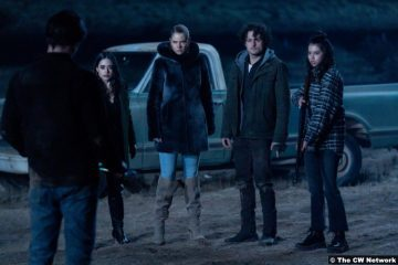 Roswell, New Mexico S03e07: Jeanine Mason, Lily Cowles, Michael Vlamis and Amber Midthunder as Liz Ortecho, Isobel Evans, Michael Guerin and Rosa