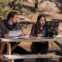 Roswell, New Mexico S03e09: Nathan Parsons and Jeanine Mason as Max Evans Liz Ortecho