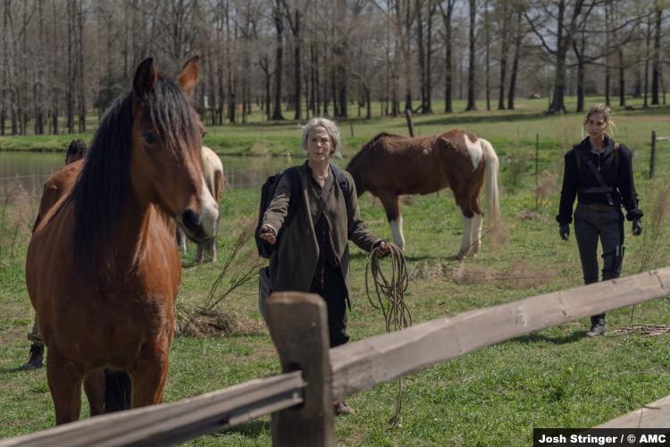 The Walking Dead S11e03: Melissa McBride and Nadia Hilker as Carol and Magna