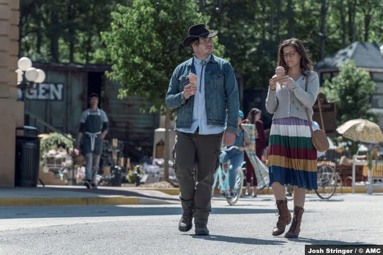 The Walking Dead S11e05: Josh McDermitt and Chelle Ramos as Eugene and Stephanie
