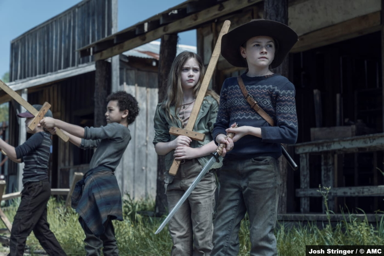The Walking Dead S11e05: Kien Michael Spiller, Antony Azor, Anabelle Holloway and Cailey Fleming as Hershel, RJ, Gracie and Judith