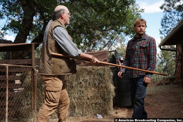 Big Sky S02e02: John Carroll Lynch and Brian Geraghty as Wolfgang Legarski and Ronald Pergman