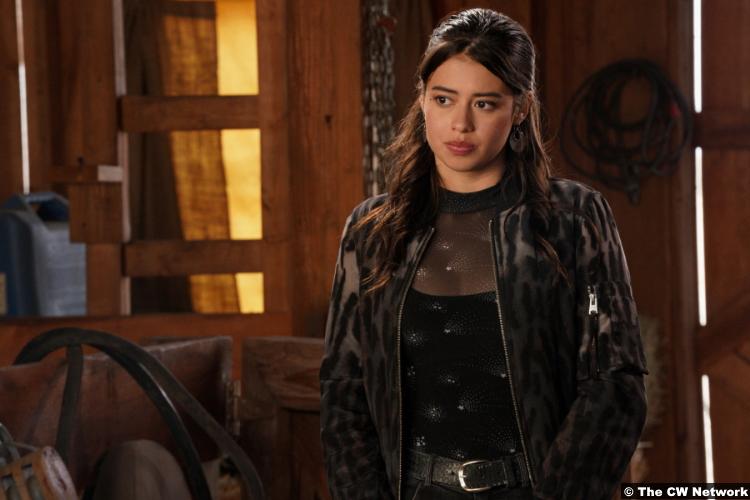 Roswell, New Mexico S03e11: Amber Midthunder as Rosa Ortecho