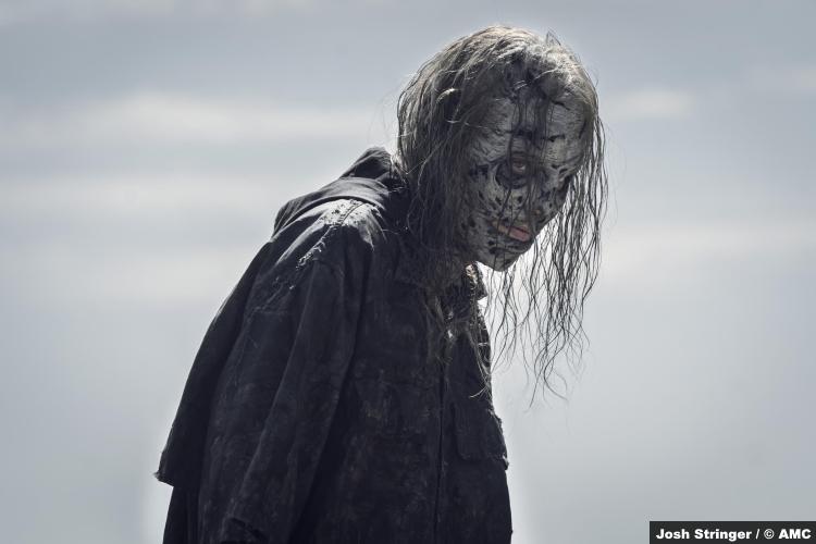 The Walking Dead S11e07: Lauren Cohan as Walker Maggie