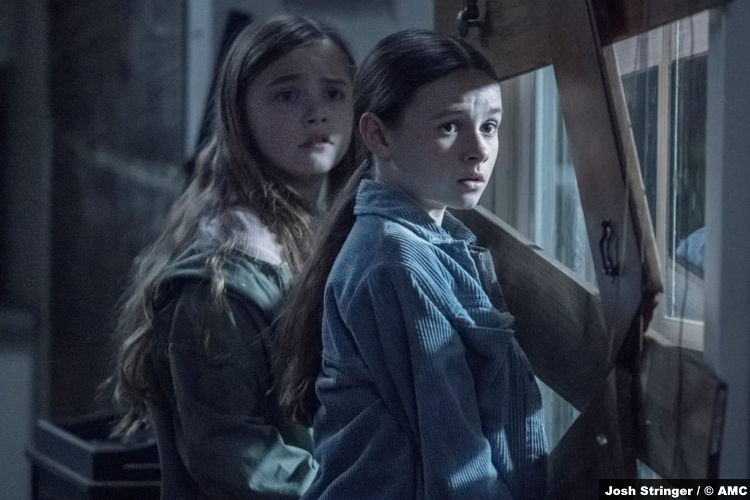 The Walking Dead S11e08: Annabelle Holloway and Cailey Fleming as Gracie and Judith